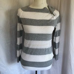 Micheal Kors Gray & White top size small